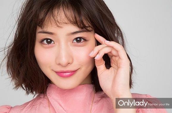 日本女孩都如何维持水润发光美肌?