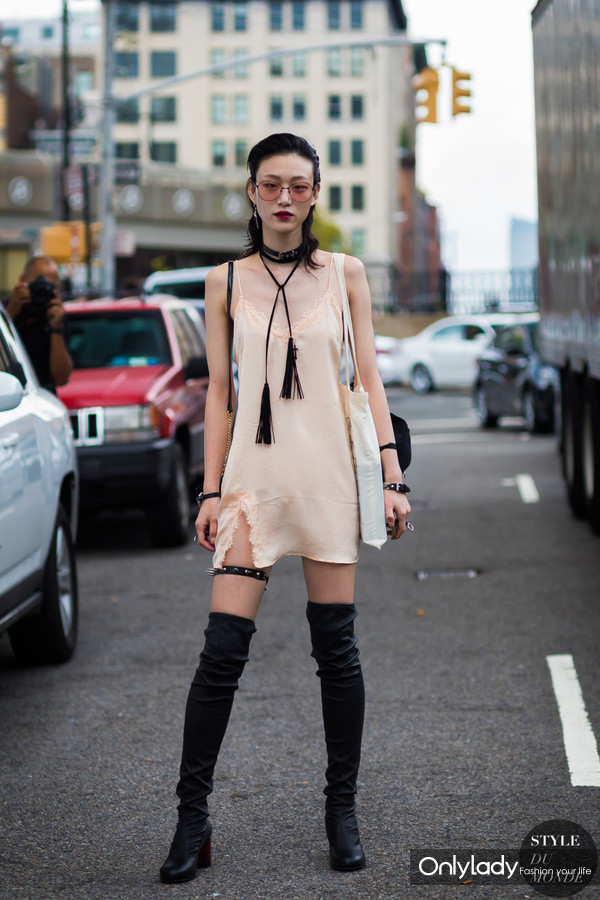 Sora-Choi-by-STYLEDUMONDE-Street-Style-Fashion-Photography948A0959-600x900@2x