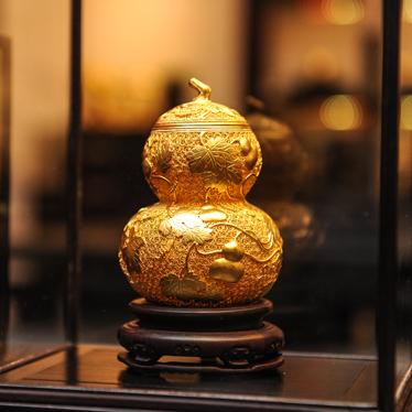 老铺黄金:花时间 留住传世之美