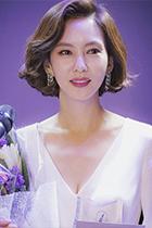 """《迷雾》47岁女主金南珠亲口承认整容 她的 """"带货""""发型妆容都在这儿了"""