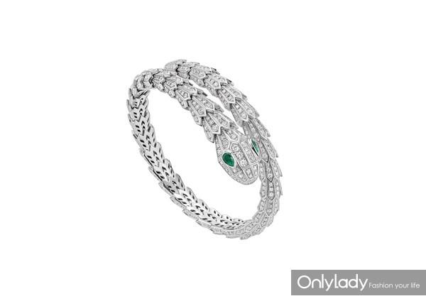 BVLGARI宝格丽Serpenti系列白金镶祖母绿钻石手镯 价格 420,000 SAP CODE 354705