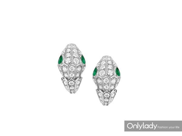 BVLGARI宝格丽Serpenti系列白金镶祖母绿钻石耳环 价格 309,000 SAP CODE 354702