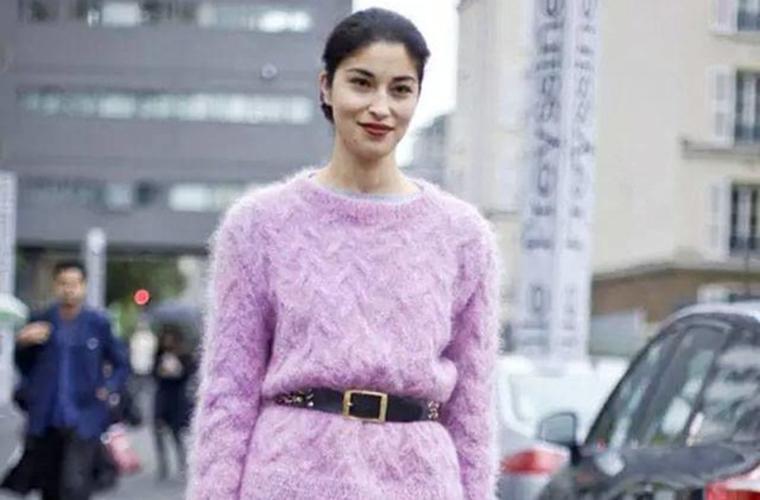 寒冷日子用一件温暖的马海毛毛衣,温暖你整个冬天
