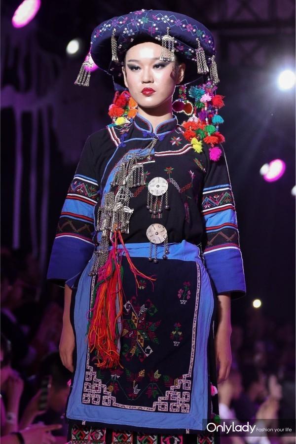 哈尼族卡多支系,传统服装