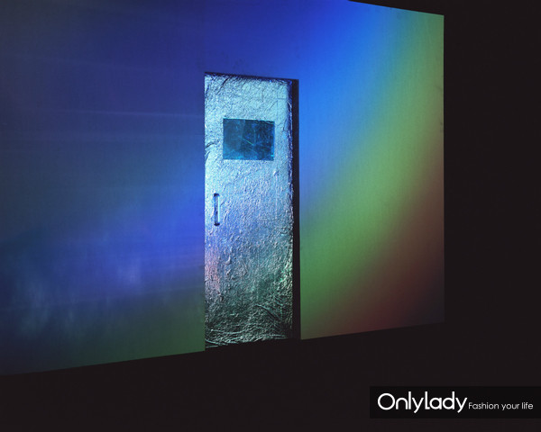 陈维:银色出口 Silver Door by Chen Wei