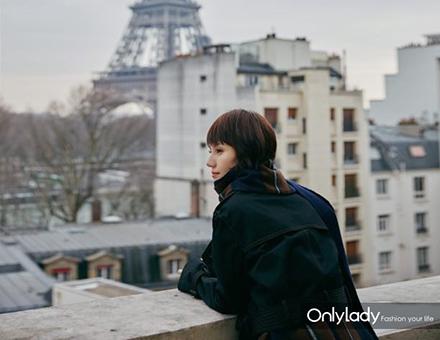 巴黎时装周时髦的袁泉又为我们种草了新款包包!