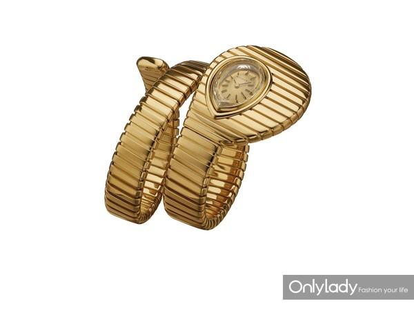 宝格丽Serpenti Tubogas黄金腕表,创作于1974年