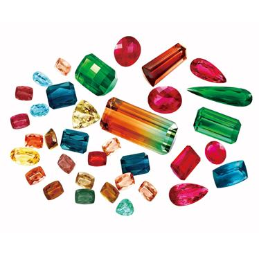 如何鉴别一颗优质的彩色宝石? 与珠宝大师ENZO一起揭秘LCC彩宝分级标准