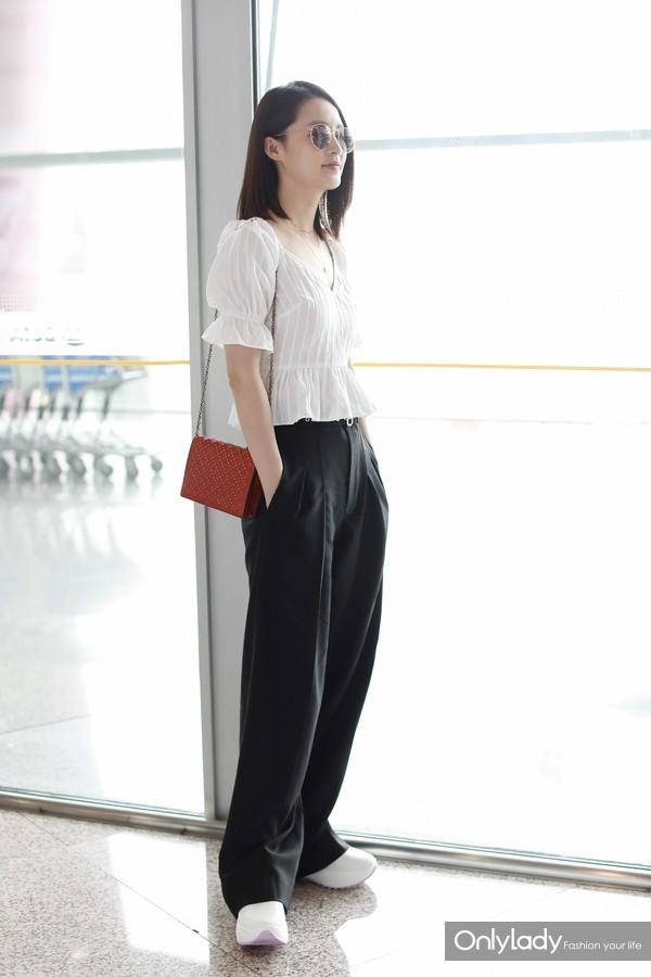 李沁 - 201806机场街拍七夕Chain Wallet (2)