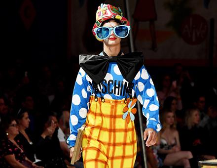 MOSCHINO发布2019春夏男装暨早春女装系列:MOSCHINO马戏团