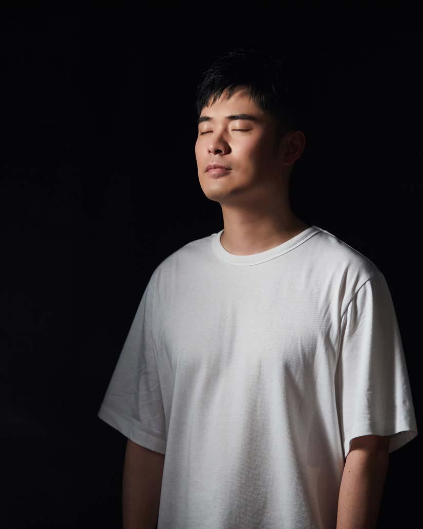 陈赫献唱解放军征兵曲《青春不一样》 为征兵助阵加油