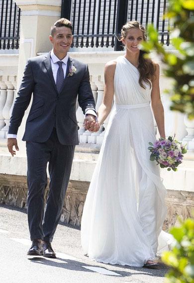 卡-普利斯科娃步入婚姻殿堂 一席白色婚纱美若天仙