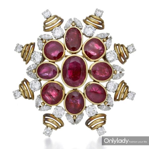 18K黄金和铂金镶嵌红宝石及钻石胸针,来自蒂芙尼古董珍藏库2