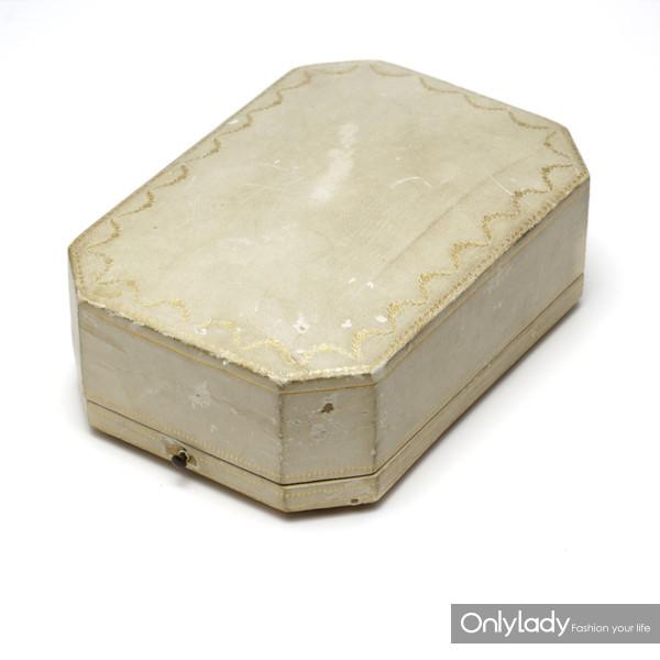盒装阳伞手柄,来自蒂芙尼古董珍藏库3