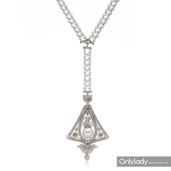 铂金镶嵌小颗珍珠、珍珠、钻石及彩色钻石项链,来自蒂芙尼古董珍藏库