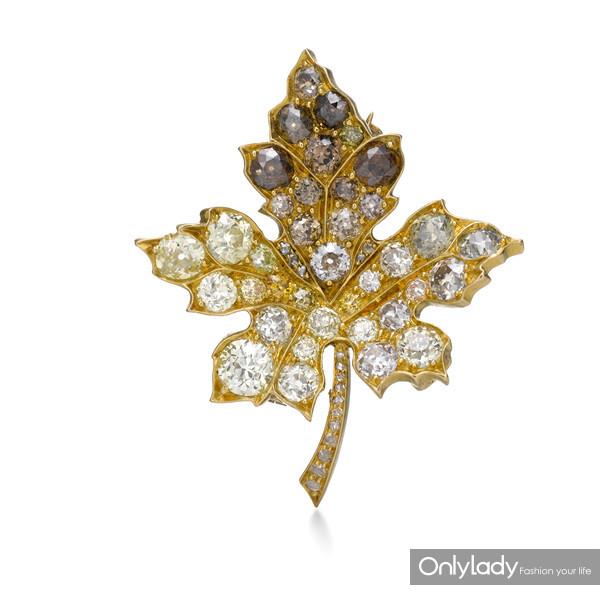 18K黄金镶嵌彩色钻石胸针,来自蒂芙尼古董珍藏库