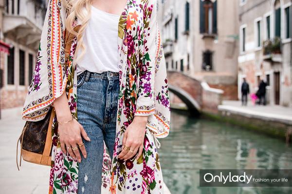 Zara-Floral-Kimono-SS-17-Outfit-copper-Birkenstock-Zara-Jeans-6