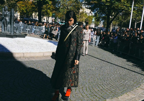 25-pfw-ss17-street-style-day-7-82