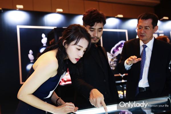 著名影星陈龙先生、章龄之女士2
