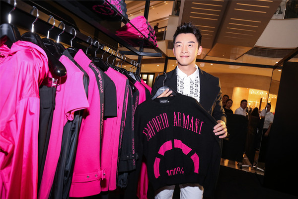 Zheng Kai attended the Pop-up store in Shanghai (8)