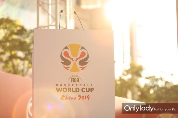 图9:2019年国际篮联篮球世界杯赛事标志