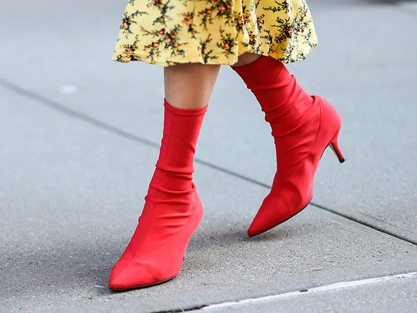 red-boots-2018-trend-street-style-19