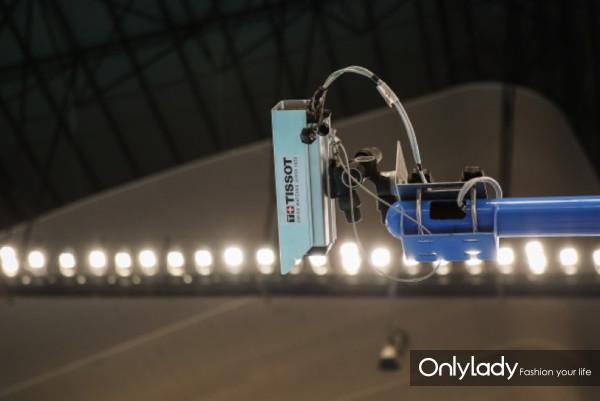图8:天梭表为亚运会游泳比赛提供计时设备与高速摄像机
