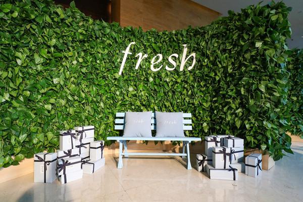 绿意盎然的红茶体验区巧妙展现了Fresh对天然成分的不懈追求(1)