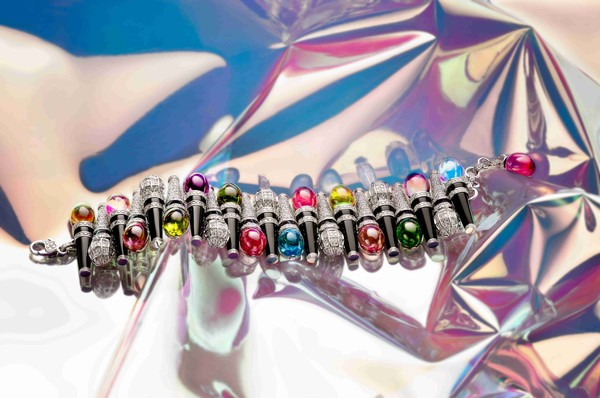宝格丽Wild Pop高级珠宝系列Pop Mics手链
