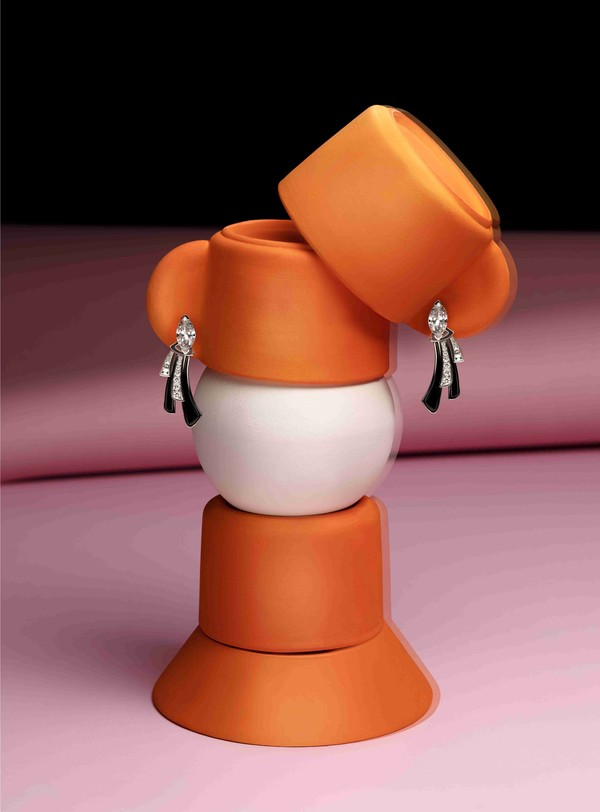 宝格丽Wild Pop高级珠宝系列Supreme Diamond Light耳环