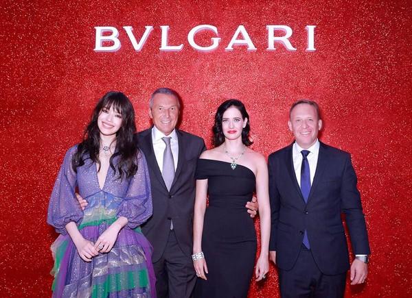 (从左至右)宝格丽品牌代言人舒淇、宝格丽首席执行官Jean-Christophe Babin、演员伊娃·格林(Eva Green)、BVLG...