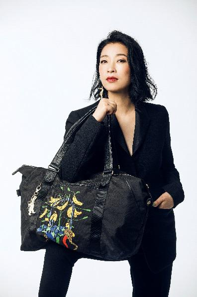Kipling携手时尚女王Helen Lee,探索城市精彩生活,再忙也出彩!