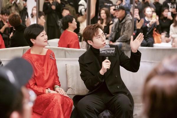 配图8-左:连卡佛大中华区副总裁Irene Lau女士、右:Ciga Long品牌创始人兼新锐设计师龙梓嘉先生