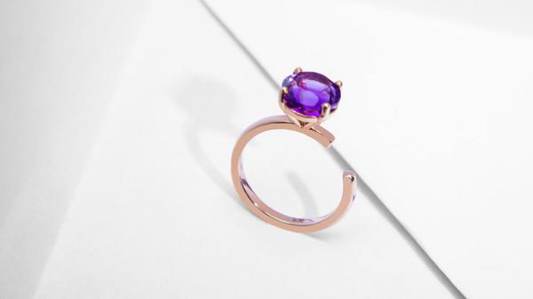 配图14-几何窗格造型订婚戒指