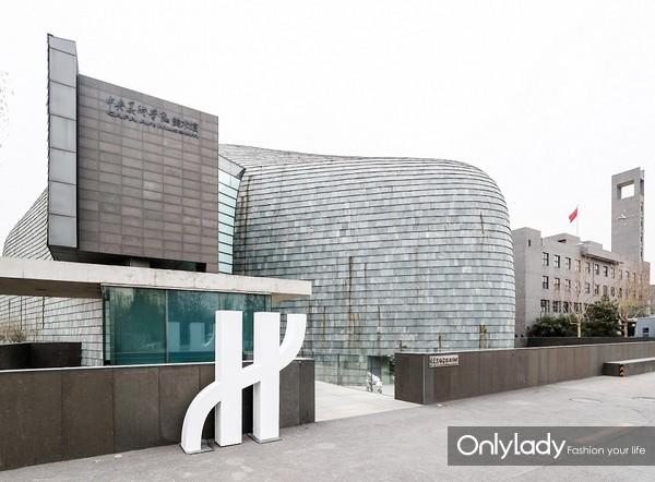 3.于中央美术学院美术馆展开宇舶表2018年度制表课堂活动