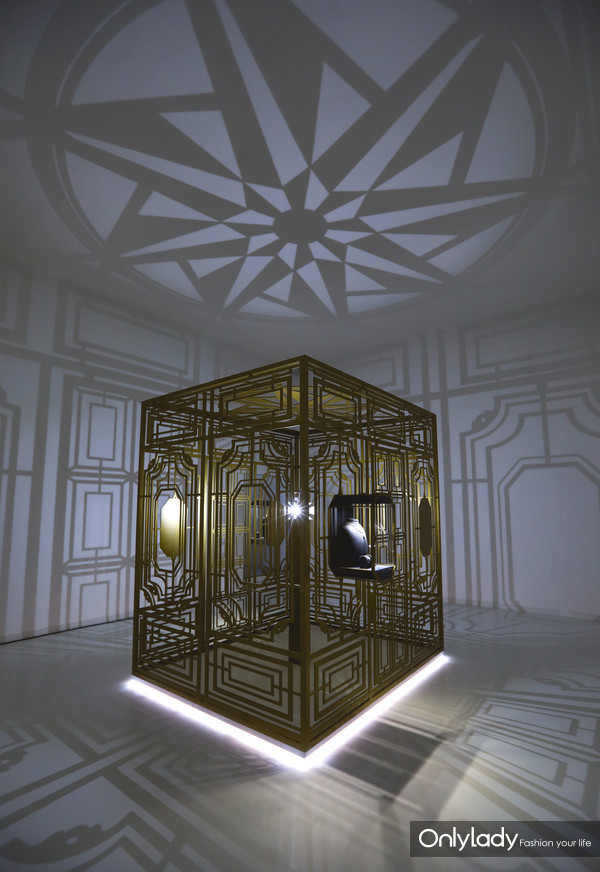 以第五大道718号海瑞温斯顿旗舰店为灵感的718&CATHEDRAL展厅