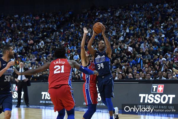 图6:NBA中国赛上海站现场战况激烈