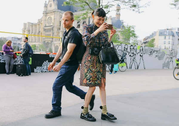 22-paris-street-style-ss17-day-11
