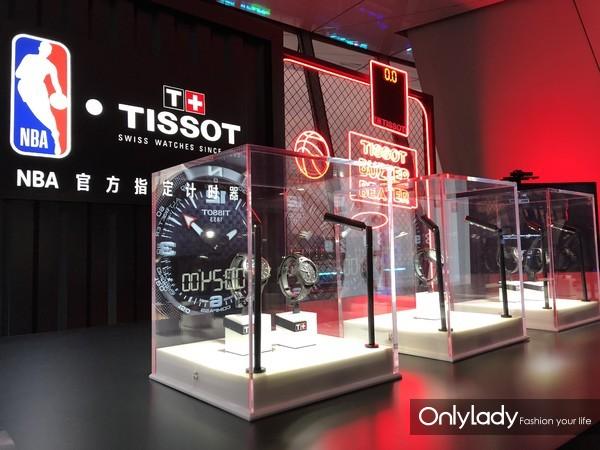 图7:NBA中国赛现场的天梭展台陈列
