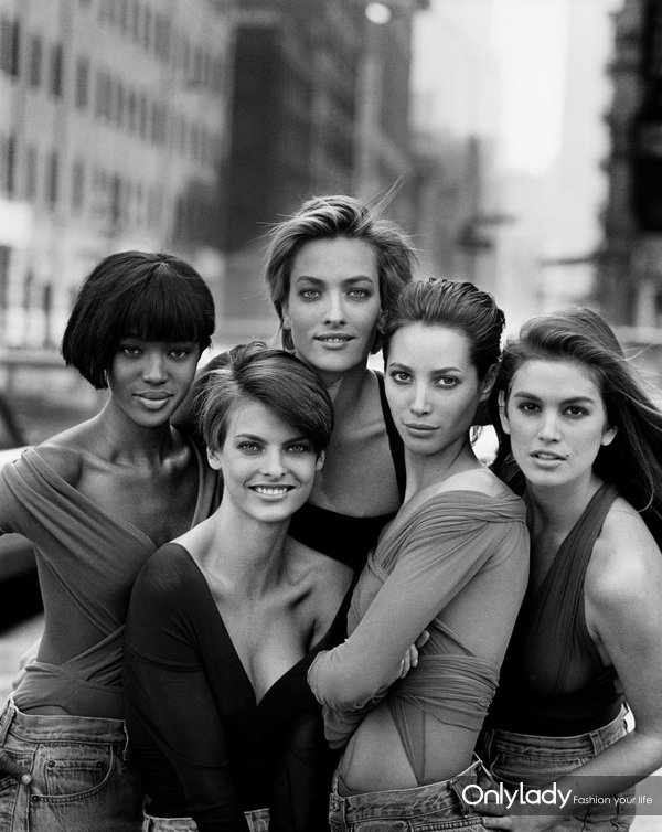 Naomi-Campbell,-Linda-Evangelista,-Tatjana-Patitz,-Christy-Turlington-and-Cindy-Crawford