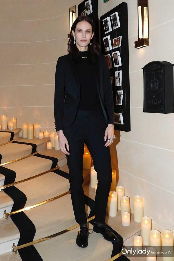 模特Aymeline Valade出席Boucheron宝诗龙全球旗舰店开幕晚宴