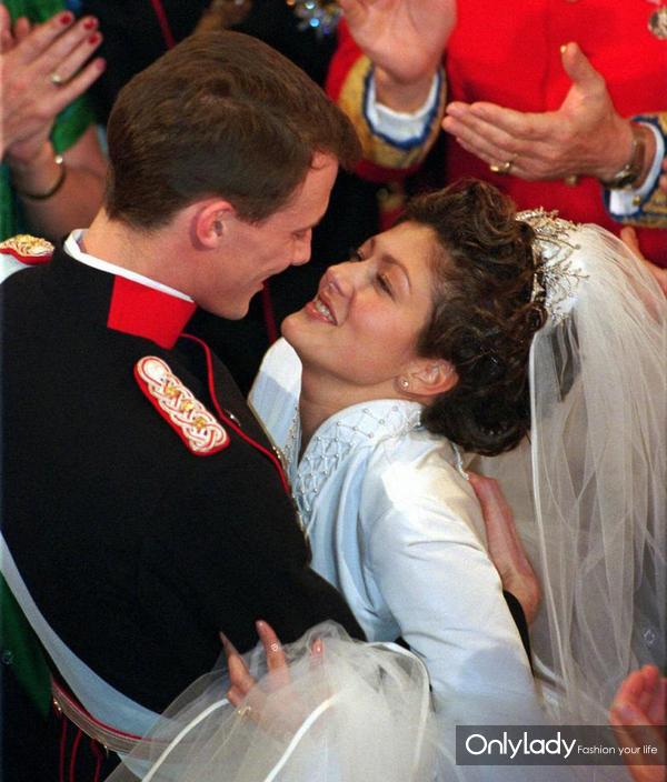 0-Alexandra-Christina-Manley-si-Joaquim-de-Danemarca-18-noiembrie-1995-13