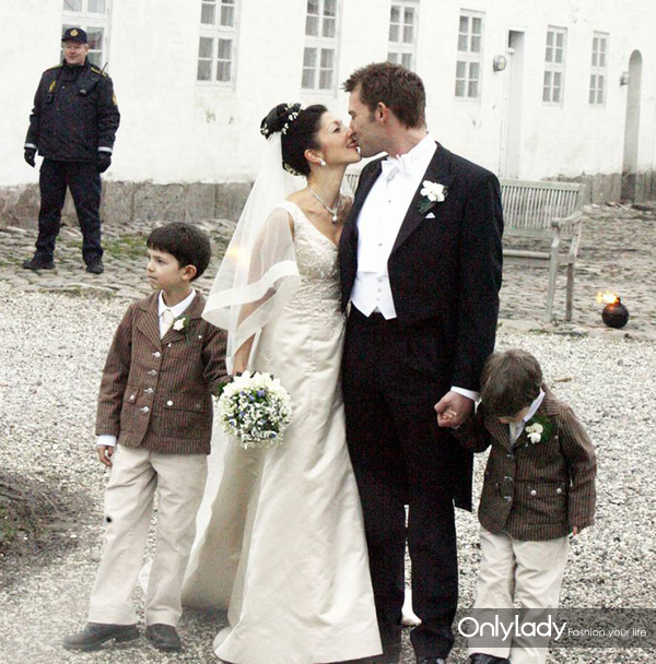 1928268-mariage-de-la-comtesse-alexandra-de-950x0-3