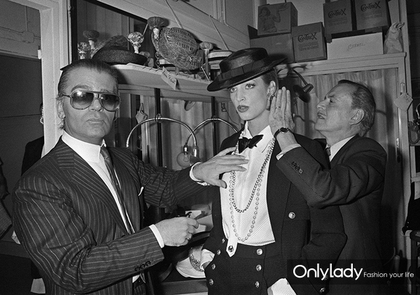 Lagerfeld-joins-Chanel-in-1983