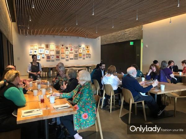苏州市文化广电和旅游局在洛杉矶县立艺术博物馆Rays & Stark Bar餐厅举办独家午宴活动,旨在让嘉宾深度了解苏州旅游资源
