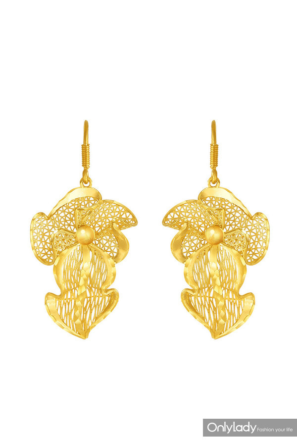 Floral Collection – Fine Gold Earrings with Gillyflower