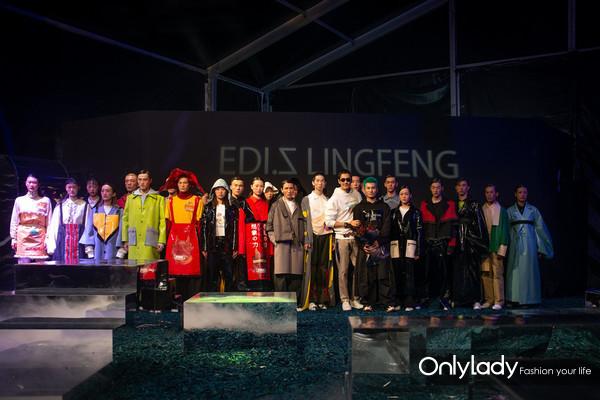 胡兵与新锐设计师及模特合影
