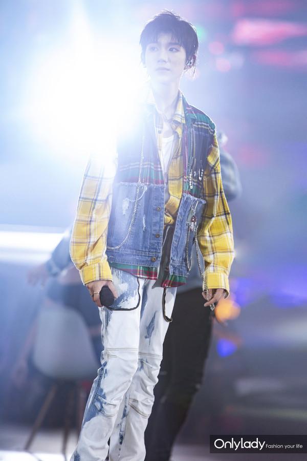 Chopard萧邦品牌大使王源佩戴Chopard萧邦珠宝参加TFBOYS六周年演唱会 13