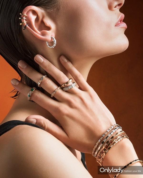 宝格丽全新Serpenti Viper系列单边耳环