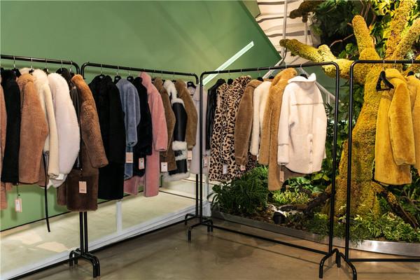 """揭秘上海时装周时尚天地,淮海路上的一片""""绿"""